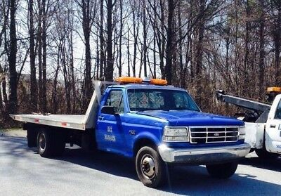 Ford F-350 Rollback tow truck