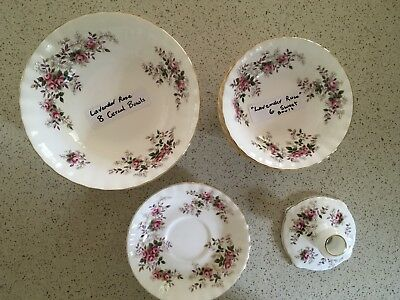 """ROYAL ALBERT """"Lavender Rose"""" 17 PIECES IN MINT CONDITION FREE POSTAGE."""