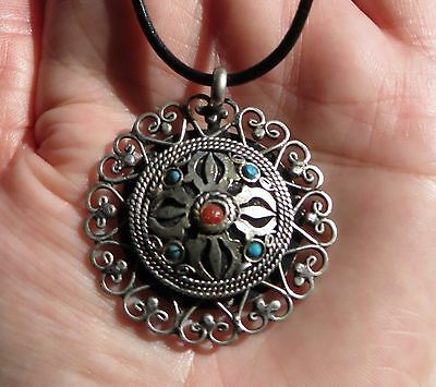 Handmade Tibetan silver Dorje amulet pendant. Collectible. Free Leather Cord