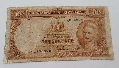 NZ New Zealand 1940-55 Ten Shillings paper note TP HANNA worn & creased