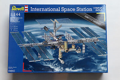 Revell 04841 - International Space Station ISS (1:144) Limited Edition