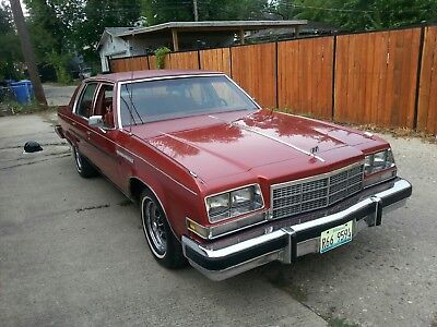 1977 Buick Park Avenue Chrome Old School Classic runs great all original parts