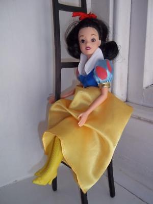 """Disney Snow White Fully poseable 12"""" fashion doll + Boots/shoes"""
