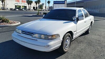 1995 Ford Crown Victoria  1995 Ford Crown Victoria Police Interceptor