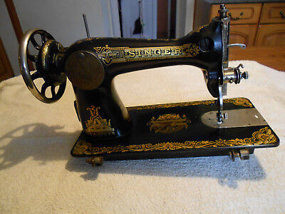 Vintage Singer Sewing Machine No 28