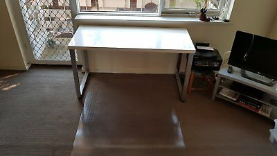 Office White Desk Table with Chrome and Jettek Carpet Chair Mate Delux LARGER