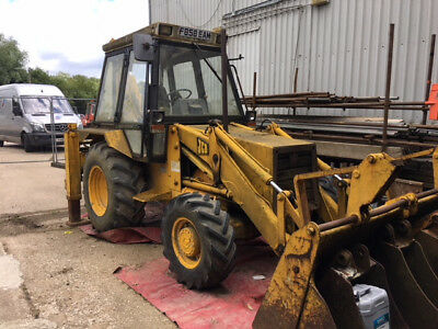 JCB  Digger - Excavator F Reg - Very low hours