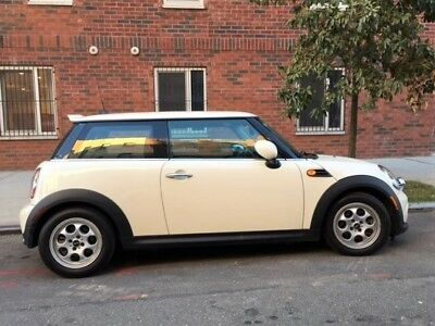 2012 Mini Cooper  MINI Cooper 2012 in EXCELLENT conditions! (Check pictures below for car report)