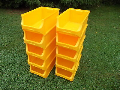 10 Large Plastic Storage Bins In Excellent Lightly Used Condition