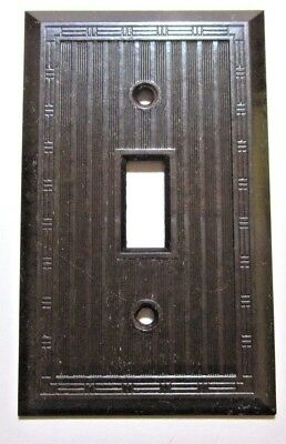 1 Vintage Dashed Lines Ribs Brown Bakelite Hubbell P&S Switch Plate Cover Deco