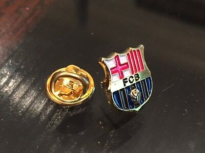 Team issued Barcelona Pin !!!  Barca collectible!