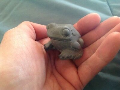 So Cute Smiling Good Luck Frog Figurine Resin Sculpture Decoration Fits in Hand