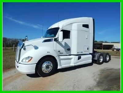 "2014 Kenworth T680 76"" Raised Roof Double Sleeper Commercial Semi Truck"