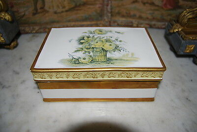Great Vintage Mottahedeh Porcelain Ceramic Hand Painted Neoclassic Italian Box
