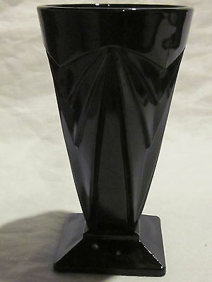 Tiara Indiana Glass Pyramid Black Tumbler