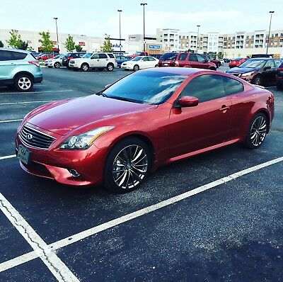 2014 Infiniti Q60 Sport 2014 Infinit Q60 Sport rare 6 speed manual low miles