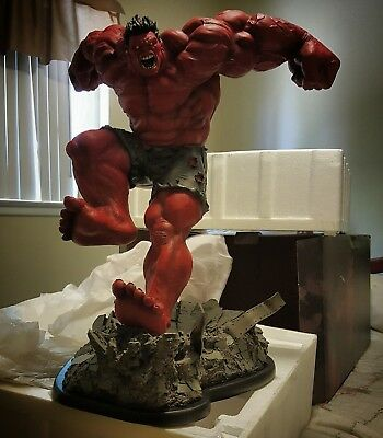 Sideshow Exclusive Red Hulk Comiquette Statue. Low number 0391/1750.