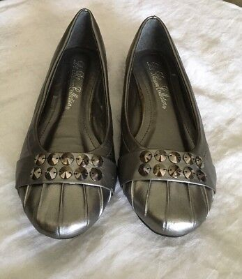 "NEW ""De Blossom Collection"" Silver Rhinestone Embellished Flats 6.5"