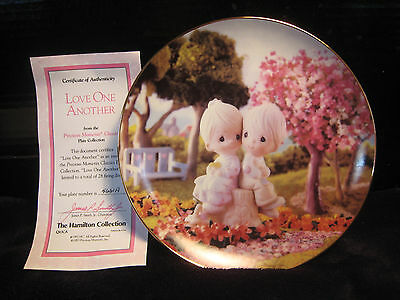 "New! Mib! Precious Moments Classics Plate Collection ""love One Another"""