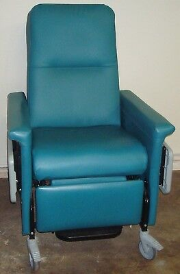 Champion 54 Series Green Patient Recliner Medical Dialysis Chair