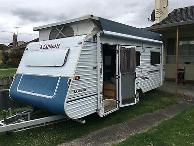 """Caravan Madison 16'FT  Pop Top 12/2003 in excellent condition ready to go"""""""