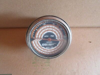 Oliver tractor 770,880 tachometer with 1181 hours NICE