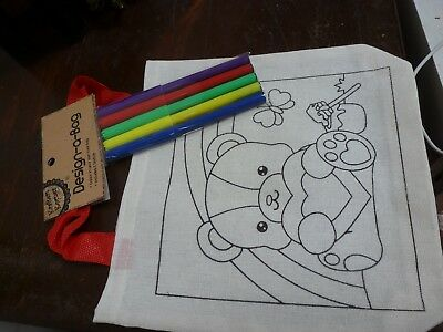 Colouring in Bags
