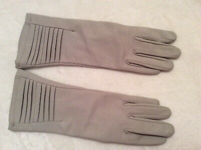 Vintage 1960's Empire  Made  Nylon Everyday  Gloves -Size 7.5 small