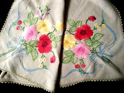 "Exquistite Roses ~ Vintage Hand Embroidered Sm Tablecloth /Huge Centre 32+"" x48"""