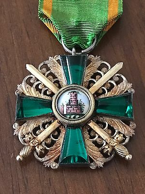 WW1 Imperial German Zahringer Lion medal with swords