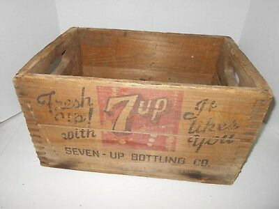 Vintage Collectible WOODEN 16 X 11 X 6 INCH 7 UP DRINK CRATE BY 7 UP BOTTLING CO