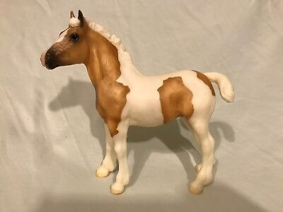 Breyer Traditional Model Horse: Creamsicle (Clydesdale Foal Mold)