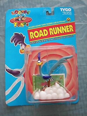 1993 ROAD RUNNER Speeds in a Cloud of Dust Looney Tunes Tyco Action Figure Mint