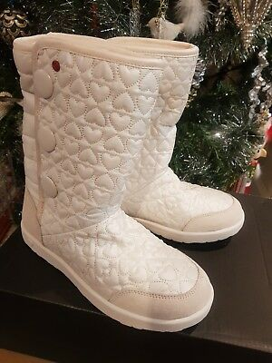 Ugg girls boots,Brand new,authentic, size 5,white