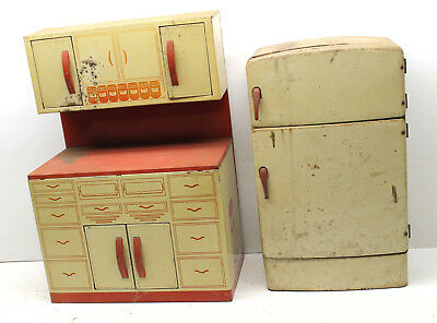 Vintage 1950s Wolverine Mfg. Metal Toy Refrigerator Fridge+Kitchen Table Cabinet