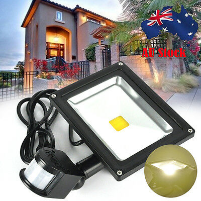 Outdoor 20W Solar Powered LED PIR Motion Sensor Security Garden Light Spotlight