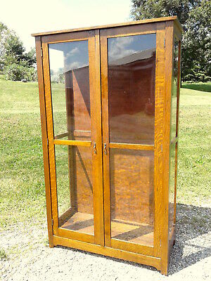 Clothing Glass Display Show Case Tiger Oak Freedlanders Wooster OH C1930 Antique