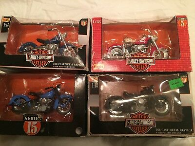 Harley Davidson Four Toy Motorcycles 1:18 Scale Maisto Police