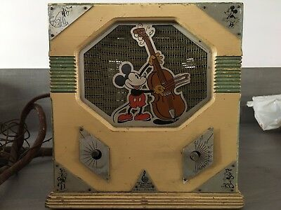 Model 409 Emerson Mickey Mouse Disney radio ~ 1933 Antique