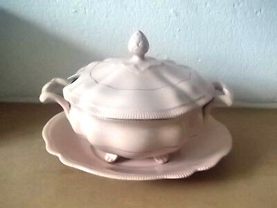Vintage Grays Pottery Lidded Shaped Sauce Dish And Saucer In Pink