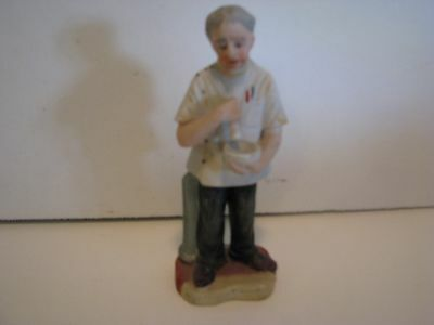 Ceramic Pharmacist   MADE IN JAPAN  6 INCHES  WITH MORTAR AND PISTLE