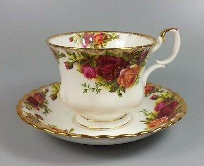 Royal Albert Old Country Roses Tea Cup And Saucer (Original Backstamp) (Perfect)