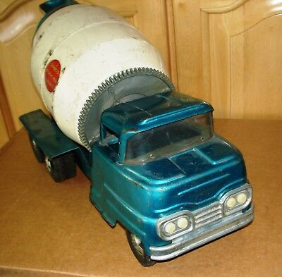 Vintage 1950s-60s Structo Tandem Axle Cement Truck, Pressed Steel Toy Vehicle