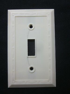 Vintage Leviton Dots Diamonds Thin Lines Ivory Color Bakelite Switch Plate Cover