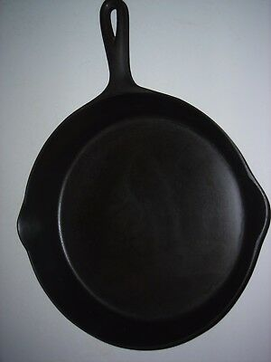 Antique Puritan Cast Iron Skillet #9 With Heat Ring