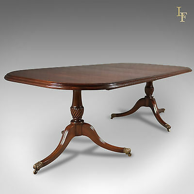 Late 20th Century Extending Dining Table in the Regency Taste, English, Mahogany