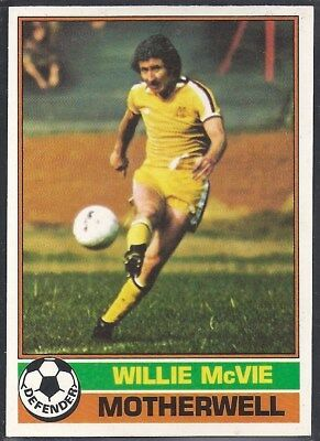 SCOTTISH YELLOW BACK 1977 -#065- HEARTS DAVE CLUNIE TOPPS-FOOTBALL