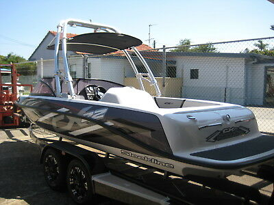 Sleekline Cx22 Wake / Ski Boat On Easytow Trailer