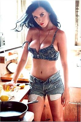 Katy Perry - In Jean Booty Shorts And Bra In The Kitchen !!!
