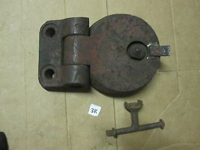 """VINTAGE 7"""" 26lb CAST IRON PORT ROUND HOLE DOOR FOR AN OLD BOILER Furnace W/ Key"""